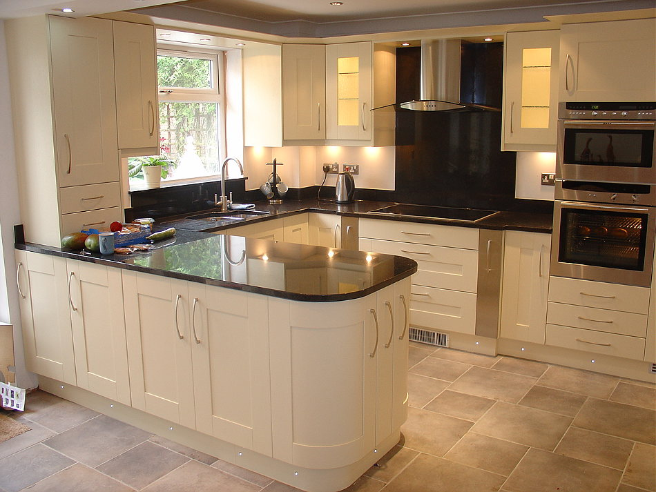 Painted Ivory Solid Wood Kitchen With Angola Black Granite